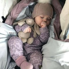 Entdecken (und speichern … … Picture discovered by ♡ Kids & Baby Inspiration ♡. Discover (and save … – Baby fever ❤️ – So Cute Baby, Cute Baby Clothes, Cute Kids, Cute Babies, Babies Clothes, Clothes Sale, Cute Newborn Baby Girl, Baby Outfits Newborn, Baby Gap
