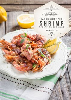 This honey glazed bacon wrapped shrimp is great for outdoor barbecues and entertaining, and is actually quite simple to make. A much loved recipes by adults and kids too! Honey Recipes, Shrimp Recipes, Bread Recipes, Bacon Wrapped Shrimp, Honey Glaze, Barbecues, Smoked Bacon, One Pot Meals, Kara