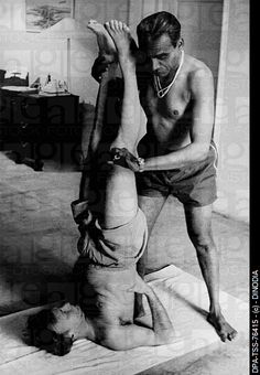KNOW WHY YOU'RE TEACHING Don't teach only to teach. Teach to improve the student.- B.K.S Iyengar (with Yehudi Menuhin in salamba sarvangasana)