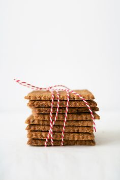 almond butter and flaxseed cookies
