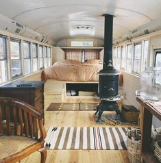 Amazing Tiny House Bus Living Conversion Ideas 10 — Home Decor Ideas