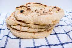 Mykt pannestekt flatbrød of Hummus, Cooking Tips, Pancakes, Cookies, Baking, Breakfast, Desserts, Istanbul, Crack Crackers