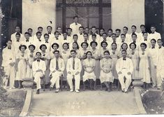 Class 4-A, Camarines Sur High School, Ragay, 1938 #pinoy #classpicture #kasaysayan Class Pictures, Pinoy, Filipino, Historical Photos, Over The Years, Philippines, Discovery, High School, Sari