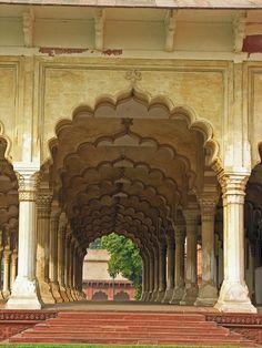 The Arcades of Taj Mahal, Agra, India - Agra, India | IslamicArtDB.com