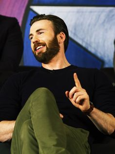 chris evans beard : Photo