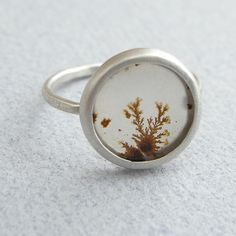 i'm absolutely in love with this ring. next time i treat myself to something, this is it.