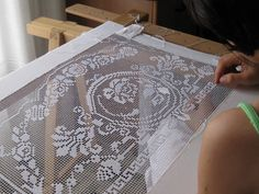 This Pin was discovered by Needle Lace, Bobbin Lace, Hand Embroidery Patterns, Embroidery Art, Vintage Crochet, Crochet Lace, Filet Crochet Charts, Drawn Thread, Point Lace
