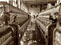 lewis-hine-child-labor-just-wandered-in-1908. 25 vieux clichés saisissants du travail des enfants vu par Lewis Hine.