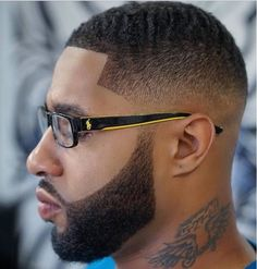 Coiffure homme cheveux court noir