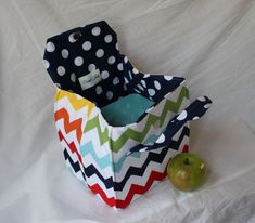 Picnic Perfect Lunch Tote PDF Sewing Pattern by binskistudio