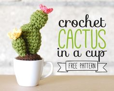 A free crochet pattern of a cactus in a cup. Do you also want to crochet this cactus in a cup? Read more about the Free Crochet Pattern Cactus in a Cup. Crochet Home, Crochet Gifts, Cute Crochet, Crochet Yarn, Crochet Stitch, Crochet Cactus Free Pattern, Crochet Flower Patterns, Crochet Puff Flower, Crochet Flowers