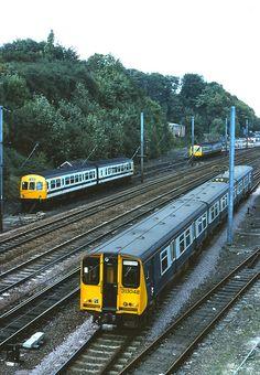 101-313 048 Hitchin Stn. 10.81 Electric Locomotive, Diesel Locomotive, Interesting Photos, Cool Photos, Blue Train, Electric Train, British Rail, Train Engines, Light Rail