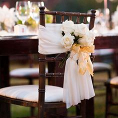 Six pretty alternatives to the traditional wedding chair cover!
