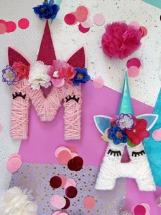 Einhorn Buchstaben aus Karton und Wolle selber machen These DIY Unicorn letters can not only be made quickly and easily, they are also a great gift idea for the next unicorn party. For tinkering you only need cardboard and wool. Diy Unicorn, Unicorn Crafts, Baby Room Boy, Baby Room Decor, Diy Gifts For Kids, Diy For Kids, Decoration Table, Baby Shower Decorations, Diy Niños Manualidades