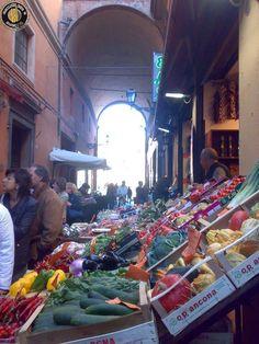 Il mercato di Cartolerie...Bologna
