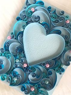 Paper Quilling Cards, Paper Quilling Patterns, Origami And Quilling, Quilled Paper Art, Quilling Work, Quilling Paper Craft, Neli Quilling, Paper Crafting, Paper Crafts Wedding