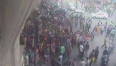 बेंगलुरु में आंदोलन के दौरान बसों में आग लगाई, पुलिस थानों पर हमले