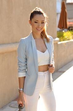beautiful light blue blazer. Cool lapels and perfect length. I need one!