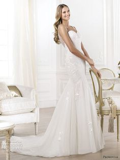 pronovias 2014 lagara sleeveless wedding dress illusion back