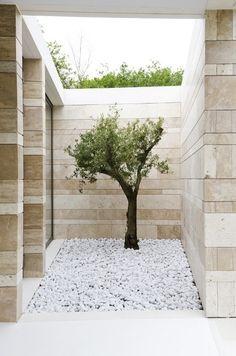 50 courtyard garden Design Inspiration - The Architects Diary Interior Design Gallery, Home Interior Design, Exterior Design, Interior And Exterior, Landscape Architecture, Landscape Design, Garden Design, Minimalist Architecture, Indoor Garden