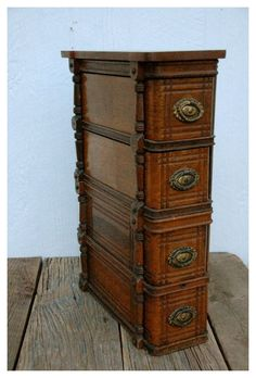 Old Sewing Machine Table, Sewing Machine Drawers, Sewing Cabinet, Treadle Sewing Machines, Antique Sewing Machines, Sewing Table, Cabinet Drawers, Sewing Room Storage, Sewing Room Organization