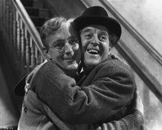 Alec Guinness & Stanley Holloway in 'The Lavender Hill Mob' (1951)
