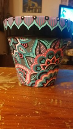 Dot Art Painting, Pottery Painting, Pottery Art, Painted Clay Pots, Painted Flower Pots, Hand Painted, Clay Flower Pots, Terracotta Flower Pots, Cement Crafts
