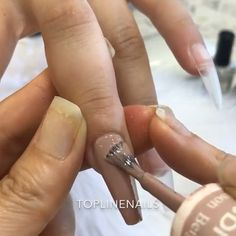 Luxeffect nail design on nude nails video tutorial. Glam Nails, Bling Nails, Beauty Nails, Glitter Nails, Fabulous Nails, Gorgeous Nails, Love Nails, Pretty Nails, Diy Acrylic Nails