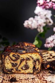 Milk and Honey: Chocolate, Hazelnut, Cinnamon Babka Banana Bread Recipes, Cake Recipes, Dessert Recipes, Easy Desserts, Chocolate Babka, Honey Chocolate, Babka Bread, Yeast Bread, Scones