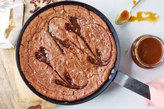 Recipe: One-Bowl Caramel Skillet Brownie — Quick and Easy Dessert Recipes