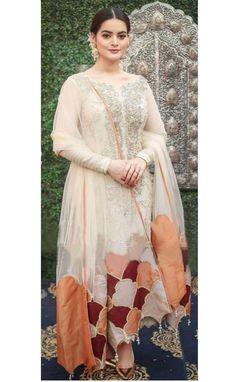 Kids Party Wear Dresses, Pakistani Party Wear Dresses, Beautiful Pakistani Dresses, Asian Bridal Dresses, Designer Party Wear Dresses, Pakistani Dress Design, Indian Designer Outfits, Pakistani Outfits, Shadi Dresses