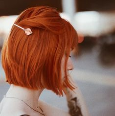 Cute Short Summer Hairstyles for New Look. Bid farewell to investing hours on your hair, and hi to these cute short summer hairstyles. Short Hair Styles Easy, Curly Hair Styles, Natural Hair Styles, Short Red Hair, Short Hair Cuts, Short Copper Hair, Short Colorful Hair, Copper Bob, Red Bob Hair