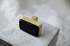 Pierścionek z ceramicznym  czarnym oczkiem #dzikikrolik