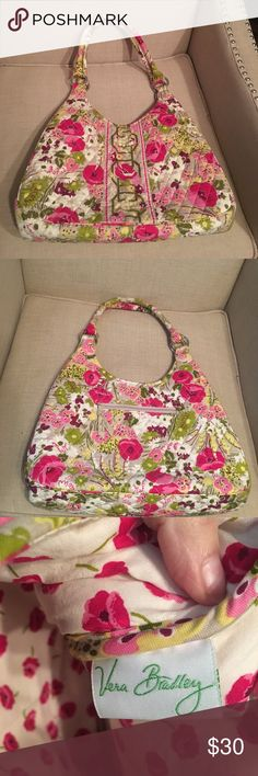 NWOT!! Vera Bradley Make Me Blush large hobo purse NWOT!! Vera Bradley Make Me Blush pattern large hobo purse. Magnetic closure. Pics of inside and outside. I got it as a gift and never carried it. It's beautiful, but it's just not my style, so I decided to let a Vera lover have the opportunity to love it. NEW CONDITION!! Vera Bradley Bags Hobos