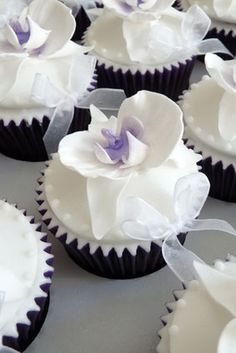 orchid cupcakes...