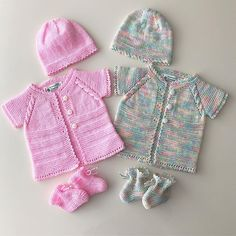 rompers for girls. Baby Sweater Knitting Pattern, Baby Knitting Patterns, Moda Emo, Knitting For Kids, Girls Rompers, Baby Sweaters, Kids And Parenting, Winter Hats, Couture
