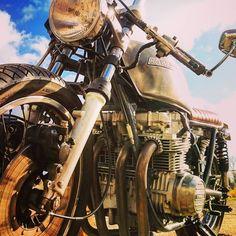 """#bike #caferacer #motorcycle #motorbike #kawasaki #racer #aircooled #croig #motor #oldschool #classic #braap #caferacersofinstagram #caferacerculture…"""