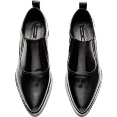 H&M Pointed-toe Leather Shoes $52.49 (195 SAR) ❤ liked on Polyvore featuring shoes, black low heel shoes, small heel shoes, kohl shoes, black pointed toe shoes and leather shoes