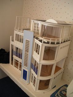 In search of doll houses for teenagers? We have now an excellent range of amazing children's baby doll holds. Dollhouse Kits, Modern Dollhouse, Barbie Miniatures, Dollhouse Miniatures, Barbie Furniture, Dollhouse Furniture, Pillowcase Romper Tutorial, Reborn Toddler Girl, Malibu Beach House