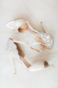 They Danced All Night Long At This Romantic Garden Chic Wedding Nude Peep Toes Mit Strass Sparkly Wedding Shoes, Wedding Boots, Sparkly Heels, Prom Heels, Wedding Heels, Chic Wedding, Wedding Jewelry, Decor Wedding, Autumn Wedding