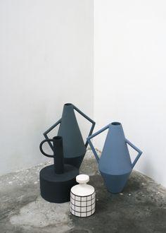 Decorative : The perfect vase collection, Kora, Koine, Callimaco by Studiopepe for Spotti Edi… Blue Pottery, Pottery Vase, Ceramic Pottery, Ceramic Clay, Ceramic Vase, Cool Ideas, Interior Art Nouveau, Keramik Design, Vase Design