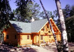 New Hampshire log home in the woods