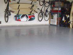 BLT mats are relatively easy to install and require little to no floor preparation. They are also easy to clean. But what's the downside? Find out by checking out the 2020 product guide. Best Garage Floor Epoxy, Rubber Garage Flooring, Garage Flooring Options, Garage Floor Coatings, Garage Floor Mats, Garage Floor Paint, Floor Preparation, G Floor, Bathroom Floor Tiles