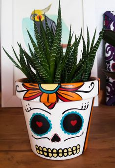 Plants garden aloe vera 26 Ideas – Hobbies paining body for kids and adult Flower Pot Art, Flower Pot Crafts, Clay Pot Crafts, Diy Clay, Diy And Crafts, Crafts For Kids, Painted Clay Pots, Painted Flower Pots, Hand Painted