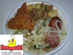 Prato do dia: Carne de panela com batatas, frango a passarinho, calabresa acebolada, repolho refogado, arroz com feijão mais salada... deu água na boca!