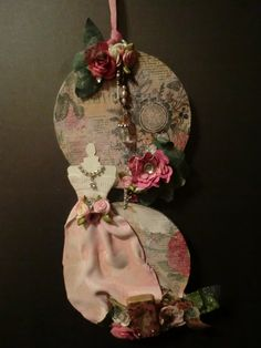 """""""A LITTLE SHABBY CHIC"""" - MIXED MEDIA ALTERED CD'S"""