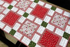 HOLIDAY TABLE RUNNER Peppermint Twist/Table Runner/Quilted Table Runner/Christmas Table Runner