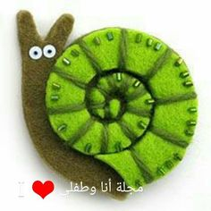 Easy DIY Felt Crafts, Felt Crafts Patterns and Easy Felt Sewing Crafts. Easy Felt Crafts, Felt Diy, Handmade Crafts, Kids Crafts, Felt Crafts Patterns, Fabric Crafts, Sewing Crafts, Felt Embroidery, Felt Applique
