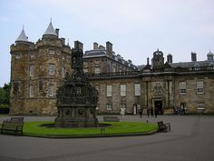Enjoy The City And Stay In One Of The Cheap Hotels In Edinburgh