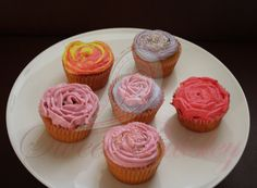 Love in a cup Cupcakes-( vanilla cake -strawberry filling- mascarpone frosting)